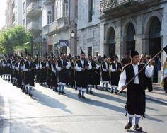 Bandas de gaitas durante las Fiestas de la Guía - Llanes