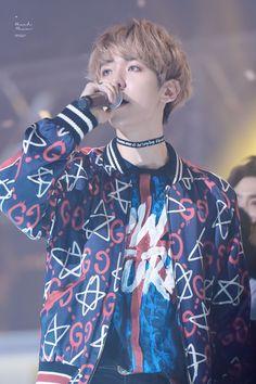 Baekhyun - 170119 26th Seoul Music Awards Baekhyun, Exo 2017, 26th Seoul Music Awards, Most Beautiful Man, Gossip Girl, Bigbang, Boy Bands, My Idol, Boy Groups