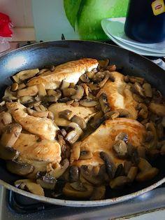 Pollo con funghi in salsina al vino bianco