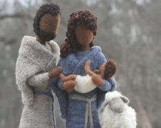 Artículos similares a Needle Felted- ESSENTIAL Nativity set- Holy family- Blue Holy family-Mary and Joseph-Wise men-Waldorf- Ornament- Baby Jesus-Christmas en Etsy Christmas Jesus, Baby Ornaments, Needle Felted, Holy Family, Baby Jesus, Holi, Winter Hats, Nativity Scenes, Wise Men