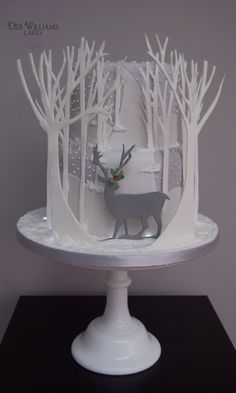 Reindeer In A Winter Wonderland This was inspired by some amazing artwork I saw over a year ago, it's a two tier fruit cake with...