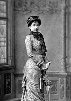 La Archiduquesa Gisela de Austria, hija del Emperador Franz Josef y la Emperatriz Sissi, a fines de la década de 1870.