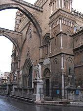 Cattedrale di Palermo - Il prospetto della cattedrale su via Bonello.