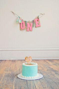 Cake Smashing Session  //  Liz Anne Photography