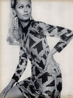 Lauren Hutton in Vogue, October 1967. Photographed by David Bailey. (♥)