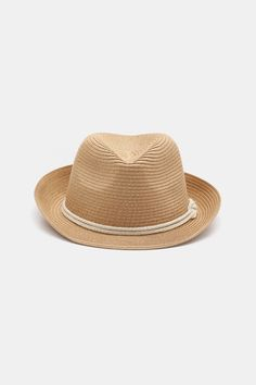 Protect yourself from the rays with this cute straw fedora hat. Straw Fedora, Fedora Hat, Festival Fashion, Festival Style, Panama Hat, Beige, Detail, Hats, Classic