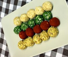 Ferrero Rocher tentokrát ve slaných variantách – Hobbymanie. Ferrero Rocher, Finger Foods, Food Art, Catering, Sushi, Food And Drink, Appetizers, Low Carb, Yummy Food