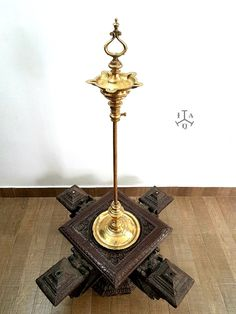 Interior Ideas, Interior Decorating, Pooja Room Design, Traditional Lamps, Pooja Rooms, Antiquities, Decor Crafts, Home Decor, Arches