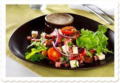 Elämän rikkaus -salaatti | Oksasen Puutarha Bruschetta, Cobb Salad, Healthy, Ethnic Recipes, Food, Eten, Meals, Diet