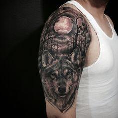 Tattoo wolf black
