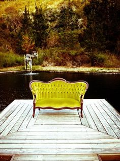 VINTAGE SETTEE -OMG, coukd you ask for a more awesome setting!