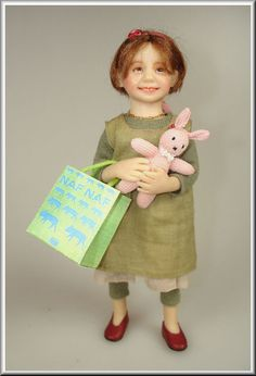 Catherine Muniere dollhouse dolls are so cute! Tiny Dolls, Ooak Dolls, Art Dolls, Dollhouse Dolls, Miniature Dolls, Dollhouse Miniatures, Doll House People, My Doll House, Antique Dolls