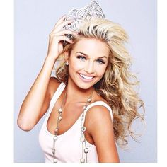 Beautiful hair and great crown pose- Cassidy wolf Miss Teen USA 2013 #Cali