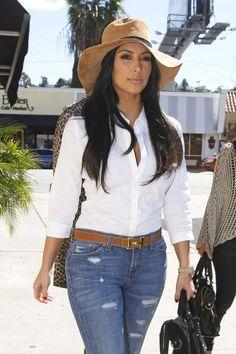 Kim Kardashian - hat
