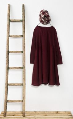 New arrivals at Loopy Mango: a.b apuntob a punto b made in Italy Wool Dress Loopy Mango, Burgundy Wine, Gingham Check, Wool Dress, Oxblood, Fashion 2017, Color Trends, What To Wear, Product Photography