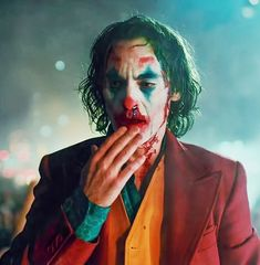 Joker Phoenix, Joker Film, Hinata Cosplay, Joker Hd Wallpaper, Joker Poster, Joker Costume, Guys Thoughts, Send In The Clowns, Joaquin Phoenix