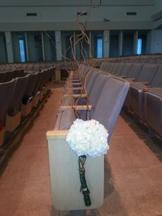 Hydrangea aisle marker with curly willow accents