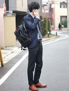 おしゃれニスタの愛用バッグと気になる中身 7枚目の画像 Man 2 Man, Pose Reference, In This Moment, Japan, Poses, Workout, Suits, People, How To Wear