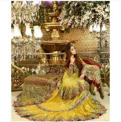 Indian Wedding Hairstyles, Indian Wedding Outfits, Pakistani Party Wear, Pakistani Dresses, Bridal Mehndi Dresses, Cute Love Couple, Pakistani Actress, Wedding Poses, Party Dresses