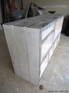 Step by step project guide on how to build a changing table from start to finish. Diy Furniture Tv Stand, Playroom Furniture, Diy Outdoor Furniture, Diy Furniture Plans, Pallet Furniture, Tv Stand Plans, Diy Table, Wood Table, Building Shelves