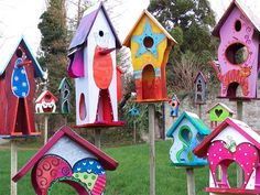 Magic birdhouses. I couldn't get to this site, but what wonderful colors. dot
