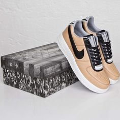 Nike Air Force 1 SP Tisci