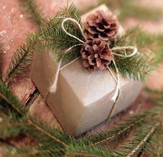 Новогодняя упаковка подарков своими руками: 25 идей с крафт-бумагой | Christmas gift wrapping with craft paper