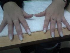 Colocación de uñas postizas $120