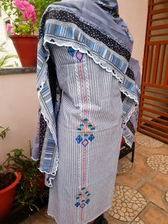 Stylish Dress Designs, Stylish Dresses, Fashion Dresses, Shirt Embroidery, Machine Embroidery, Customised Clothes, Whatsapp Group, Punjabi Suits, Designer Dresses