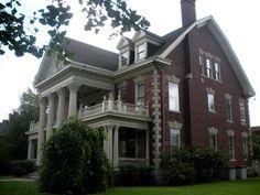 E. Washington Street Historic District  Muncie, Indiana (2012)