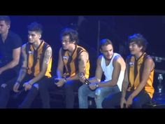 One Direction rapping 'We Can't Stop' & 'Started From The Bottom' (Melbo...