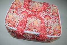 Hot Mess Casserole Carrier  tutorial || by Sara at Sew Sweetness for the Free Spirit Blog