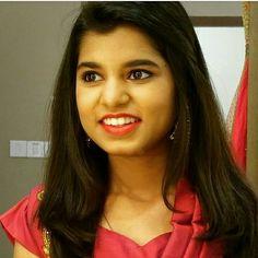 Youtube Sensation, Girl Body, India Beauty, Beautiful Women, Culture, Stars, Girls, Toddler Girls, Daughters