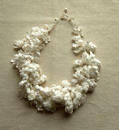 Crochet Food, Crochet Art, Irish Crochet, Lace Patterns, Jewelry Patterns, Crochet Patterns, Crochet Flower Tutorial, Crochet Flowers, Knitting Accessories