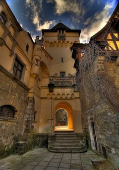 Learn about the most haunted places in Transylvania, Romania, including Bran Castle, the home of Count Dracula. Medieval Town, Medieval Castle, Medieval Times, Beautiful Castles, Beautiful Places, Dracula Castle, Peles Castle, Visit Romania, Romania Travel