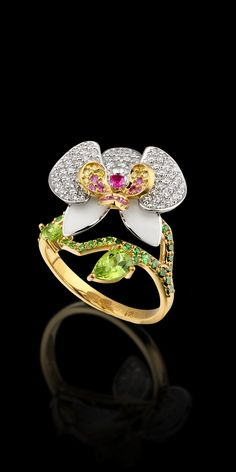 Ring 10398 Collection: Diamond flowers 18K yellow and white gold, diamonds, yellow diamonds, green diamonds, pink sapphires, chrysolites, enamel.