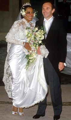 Diana Ross at her 1985 wedding to Arne Naess, Jr., a wealthy Norwegian shipping businessman and mountaineer. They had two sons and divorced in He died in 2004 in a climbing accident. Star Wedding, Wedding Pics, Wedding Couples, Wedding Day, Diana Ross, Celebrity Wedding Photos, Celebrity Weddings, Modest Wedding, Wedding Gowns