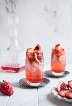 This Strawberry Campari Gin Spritz is the perfect summer cocktail. Sweet strawberry simple syrup is shaken with aromatic gin, bitter Campari and topped with bubbly Prosecco. Cocktails Vin, Refreshing Cocktails, Cocktail Drinks, Yummy Drinks, Cocktail Recipes, Simple Gin Cocktails, Campari Cocktails, Sweet Cocktails, Vodka Cocktails