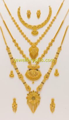 Latest Indian Jewellery designs and catalogues in gold diamond and precious stones Real Gold Jewelry, Gold Jewelry Simple, Gold Jewellery Design, Silver Jewellery, Silver Rings, Gold Set, Schmuck Design, Gold Bangles, Necklace Designs