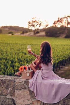 Wine Country Style: Living in Lavender Sauvignon Blanc, Cabernet Sauvignon, Wine Tasting Outfit, Viva Luxury, Chenin Blanc, In Vino Veritas, Wine Country, Country Style, Pinot Noir