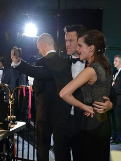 Joseph Gordon-Levitt takes a selfie with Emma Watson backstage at the annual Academy Awards at the Dolby Theatre. -- Photo by Robert Hanashiro, USA TODAY Staff Joseph Gordon Levitt, Hogwarts, Backstage, Selfies, Emma Watson Beautiful, Oscars 2014, Zooey Deschanel, Hermione Granger, Successful People