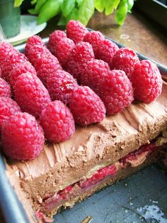 Italian summer pudding - Truman Capote's favorite dessert. Chocolate, mascarpone, raspberries, coffee, rum ... and no oven required. Best summer dessert ever?