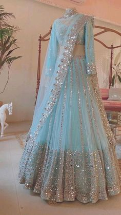 Asian Bridal Dresses, Party Wear Indian Dresses, Indian Gowns Dresses, Indian Bridal Outfits, Dress Indian Style, Indian Fashion Dresses, Indian Wear, Shadi Dresses, Ladies Dresses