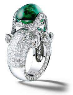 Giampiero Bodino Tesori Del Mare ring with an emerald cabochon 12.89 cts and diamonds set in white gold