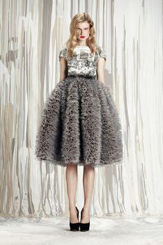 Feathered Dress #2dayslook #jamesfaith712 #lily25789 #FeatheredDress www.2dayslook.com