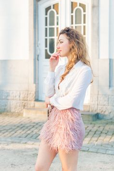 IMG_1954-Modifier - Olivia Poncelet Fashion blog Pastel look feather skirt tommy hilfiger party outfit