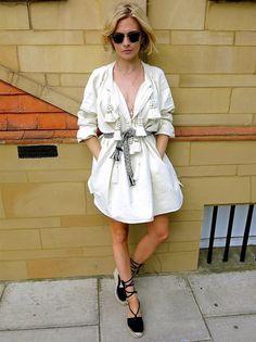 pandora sykes street style vestido branco espadrille preta
