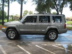I like a lifted Jeep Commander Sport 4x4