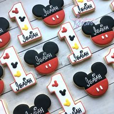 2 or 4 dozen Mickey mouse birthday sugar cookies . Mic 2 or 4 dozen Mickey mouse birthday sugar cookies . Festa Mickey Baby, Mickey Mouse Theme Party, Mickey Mouse Party Decorations, Mickey Mouse Bday, Fiesta Mickey Mouse, Elmo Party, Dinosaur Party, Dinosaur Birthday, Mickey Mouse Treats