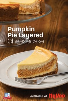Layered Cheesecake Recipe, Layered Pumpkin Cheesecake, Layer Cheesecake, Pumpkin Cheesecake Recipes, Pumpkin Recipes, Pumpkin Cheescake, Fall Desserts, Delicious Desserts, Baked Pumpkin
